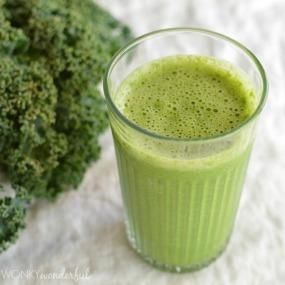 Grapefruit-Kale-Green-Smoothie-Recipe-44